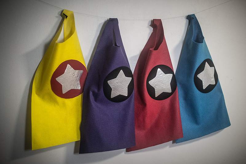 toddler no sew superhero cape tutorial cardicips